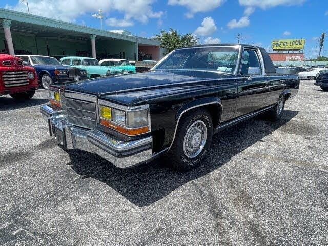 1986 Cadillac Fleetwood Brougham Sedan RWD