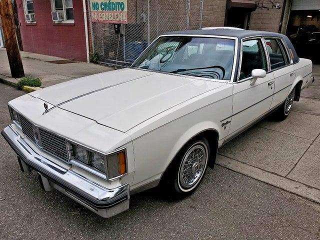 1983 Oldsmobile Cutlass Supreme Brougham Sedan RWD
