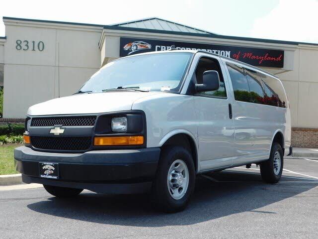 2017 Chevrolet Express 2500 LS RWD