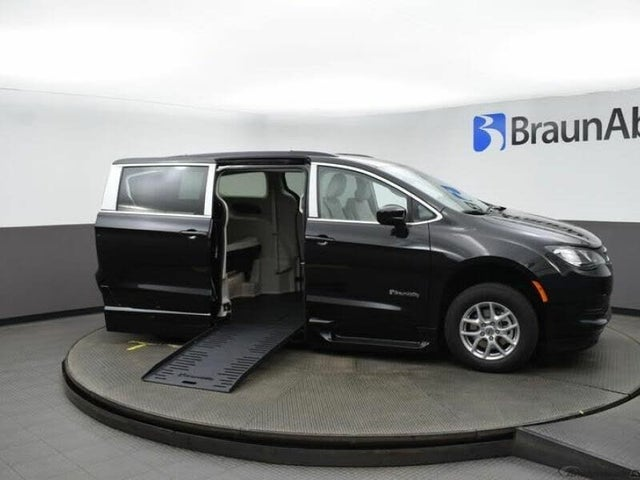 2021 Chrysler Voyager LXi FWD
