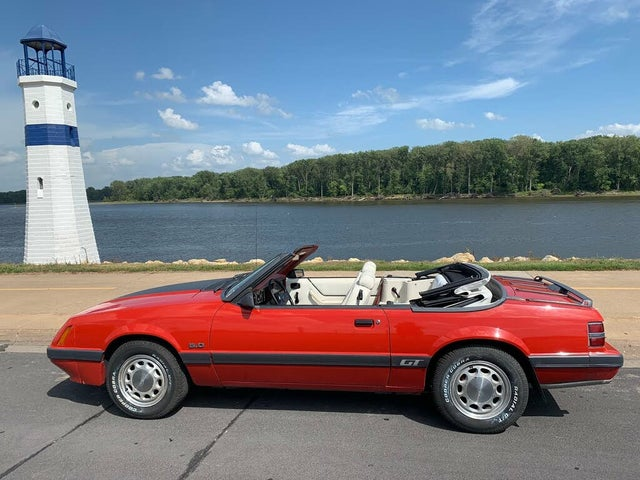 1986 Ford Mustang GT Convertible RWD