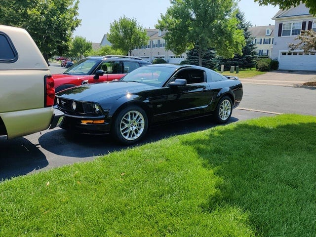 2005 Ford Mustang GT Coupe RWD