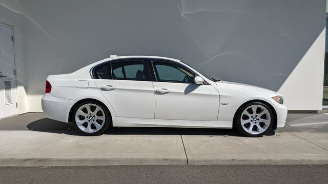 2006 BMW 3 Series 330i Sedan RWD