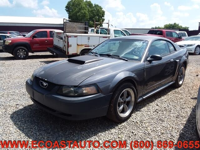 2003 Ford Mustang GT Deluxe Coupe RWD