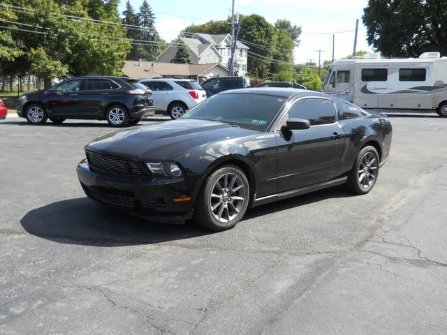 2012 Ford Mustang V6 Premium Coupe RWD