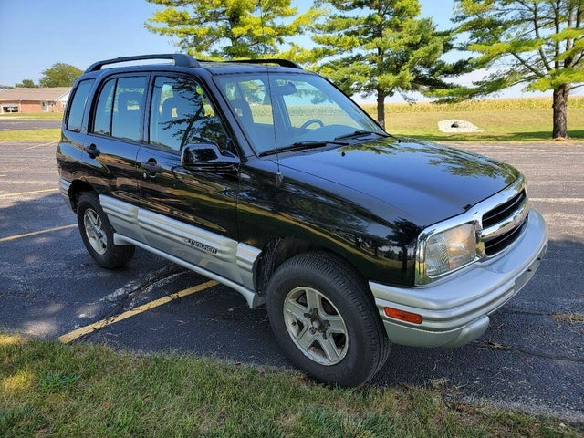 2002 Chevrolet Tracker LT 4-Door 4WD