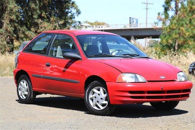 1998 Chevrolet Metro LSi Hatchback FWD