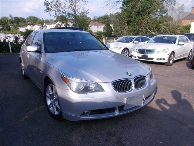 2004 BMW 5 Series 545i Sedan RWD