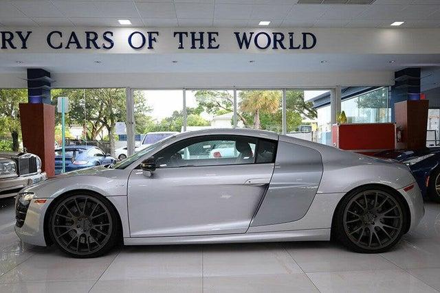 2012 Audi R8 5.2 quattro Coupe AWD