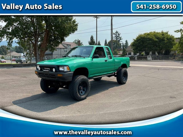 1989 Toyota Pickup 2 Dr Deluxe 4WD Extended Cab SB