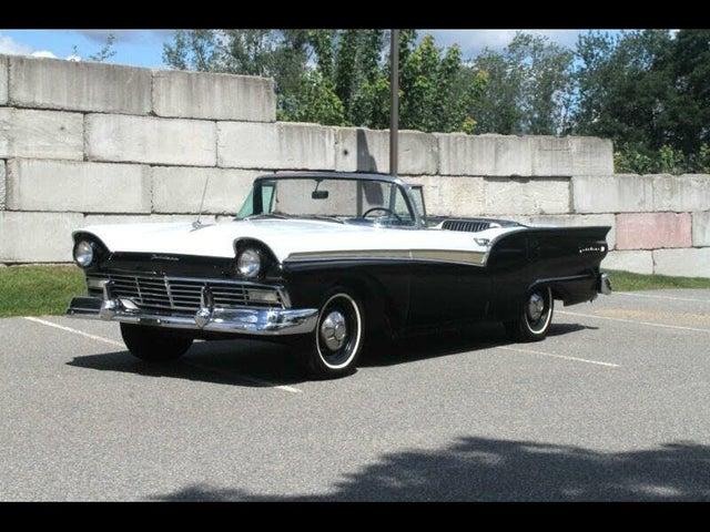 1957 Ford Fairlane Sedan