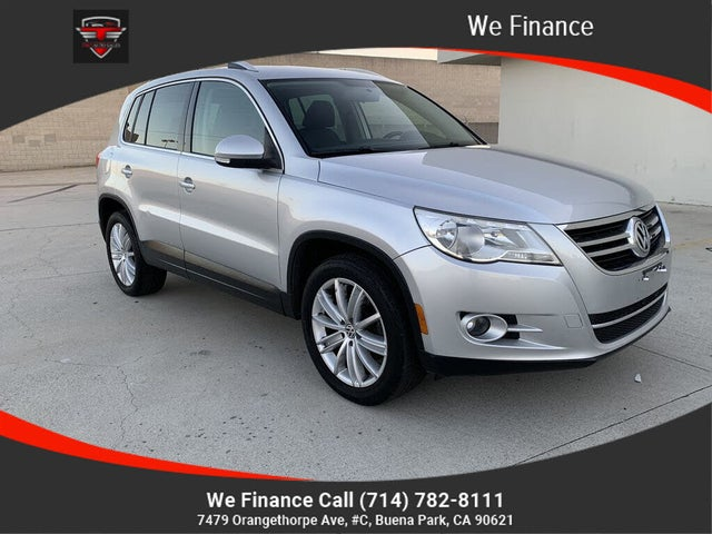 2010 Volkswagen Tiguan SE with Leather