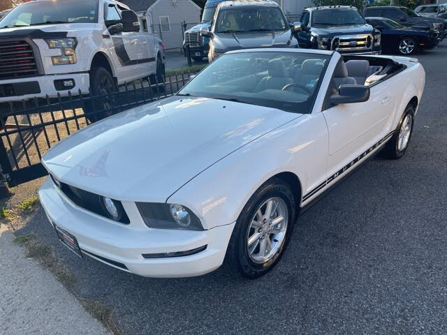 2008 Ford Mustang V6 Deluxe Convertible RWD