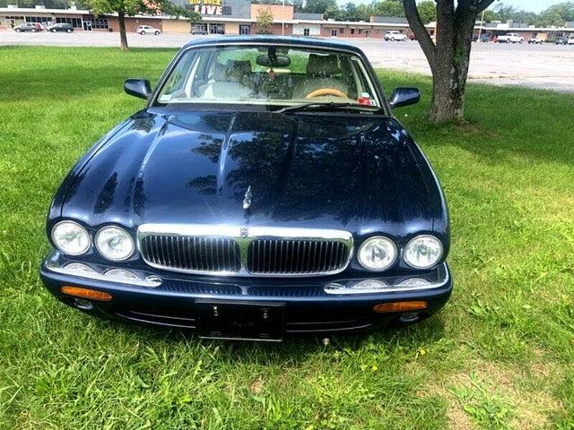 2000 Jaguar XJ-Series XJ8 RWD