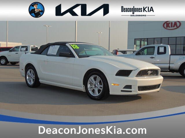 2013 Ford Mustang V6 Convertible RWD