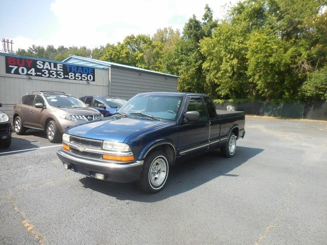 2002 Chevrolet S-10 LS Extended Cab RWD