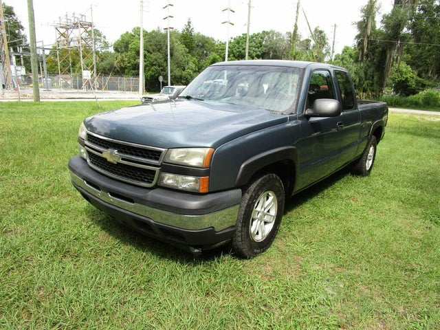 2006 Chevrolet Silverado 1500 Work Truck Extended Cab 4WD
