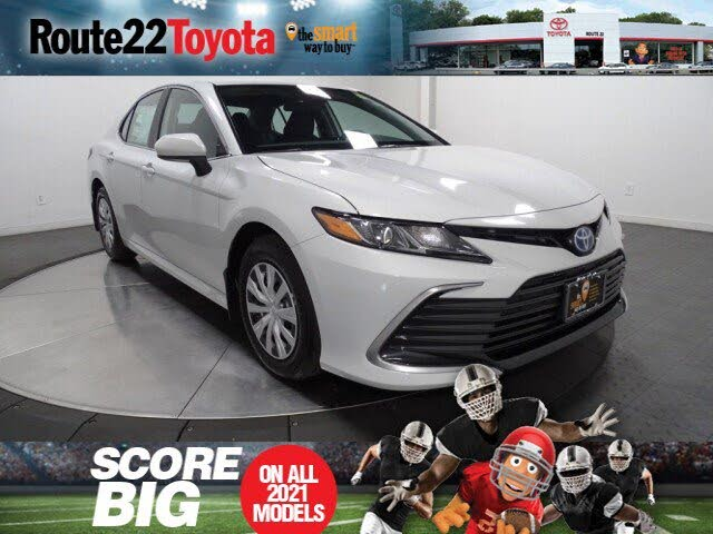 2022 Toyota Camry Hybrid LE FWD