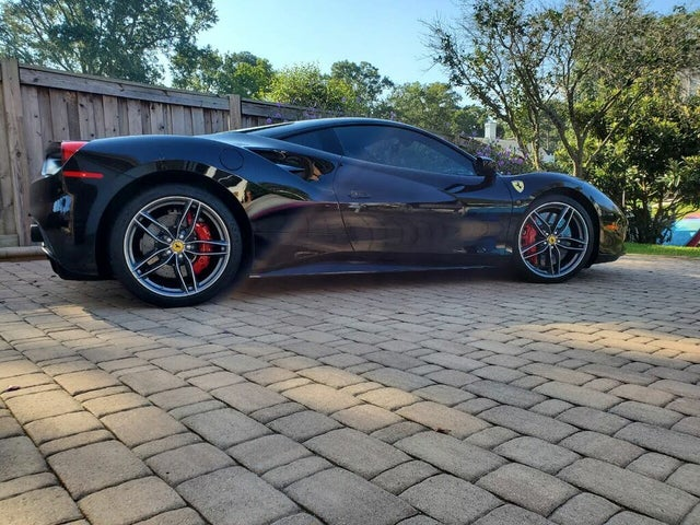 2016 Ferrari 488 GTB Coupe RWD