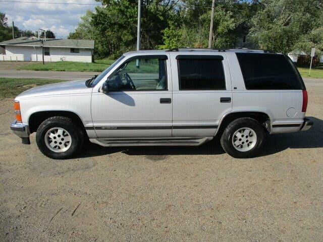 1995 Chevrolet Tahoe LS 4-Door RWD