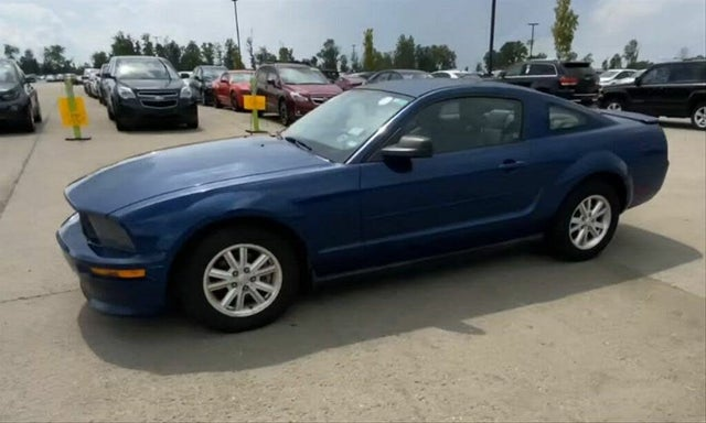 2008 Ford Mustang V6 Deluxe Coupe RWD