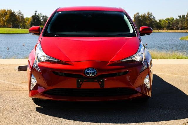 2016 Toyota Prius Four Touring FWD