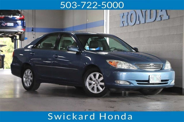 2004 Toyota Camry XLE V6 FWD