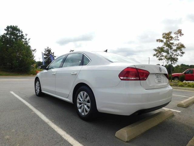 2014 Volkswagen Passat Wolfsburg Edition 1.8