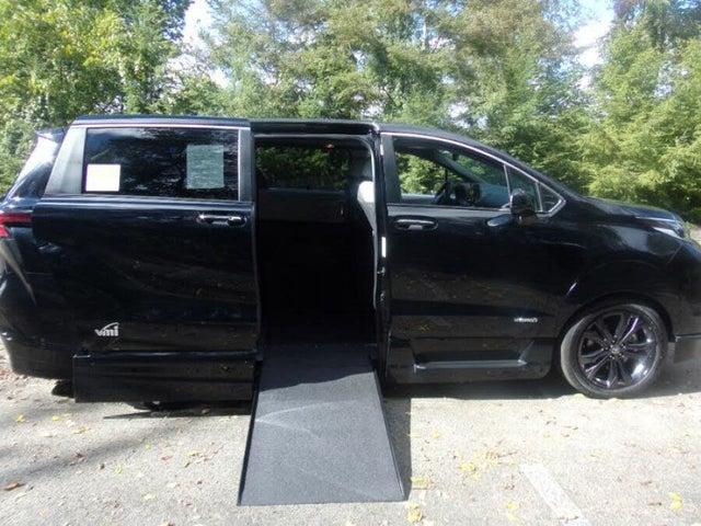2021 Toyota Sienna XSE 7-Passenger FWD