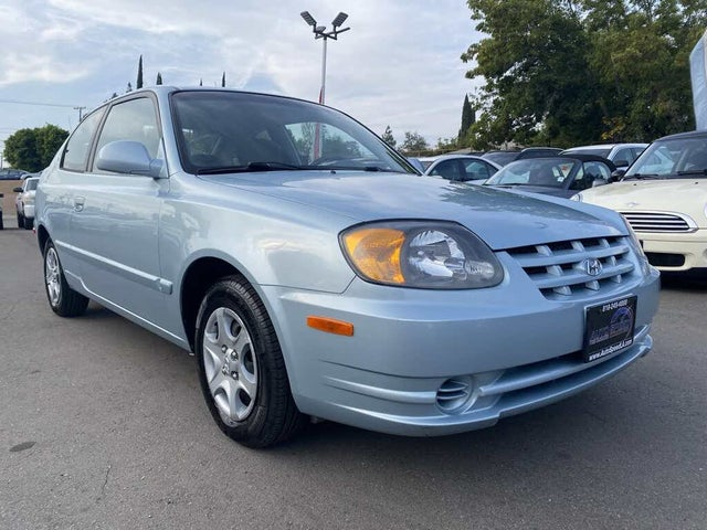 2004 Hyundai Accent GL 2-Door Hatchback FWD