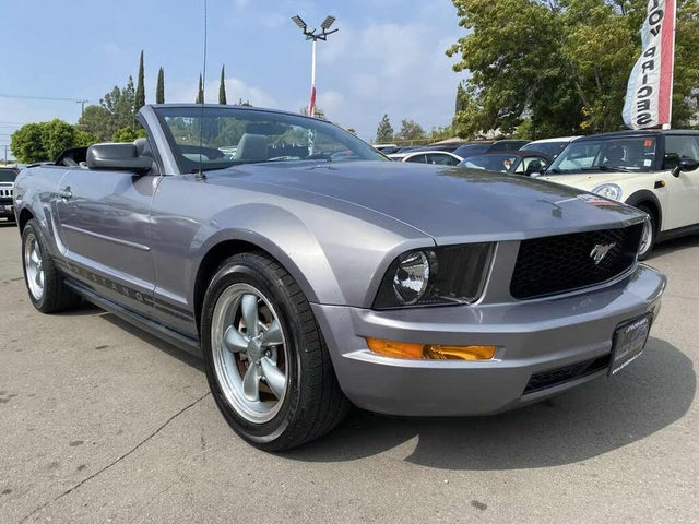 2007 Ford Mustang V6 Deluxe Convertible RWD