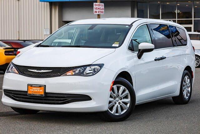 2020 Chrysler Voyager L FWD