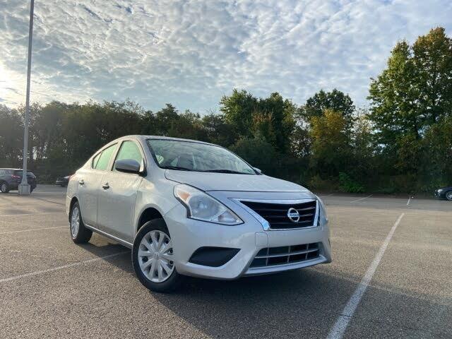 2019 Nissan Versa S FWD