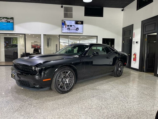 2017 Dodge Challenger R/T Plus Shaker RWD