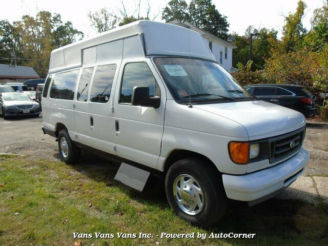 2005 Ford E-Series E-250 Extended Cargo Van