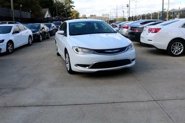 2016 Chrysler 200 C Platinum Sedan FWD