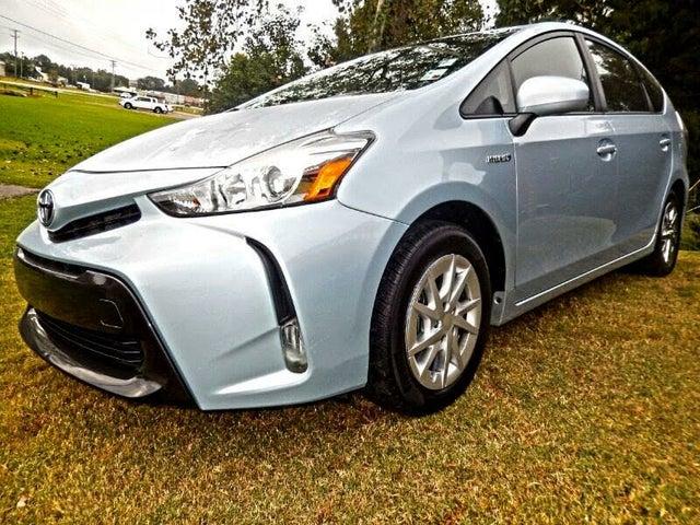 2016 Toyota Prius v Four FWD