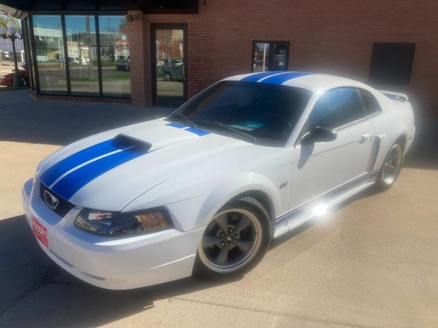 2001 Ford Mustang GT Deluxe Coupe RWD