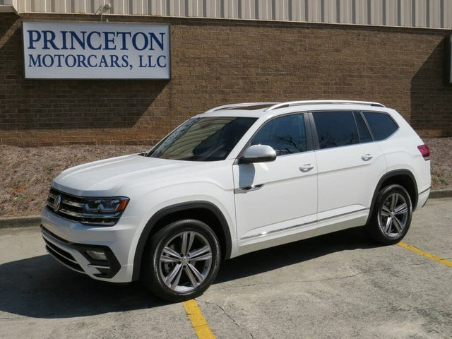 2019 Volkswagen Atlas SE FWD with Technology R-Line