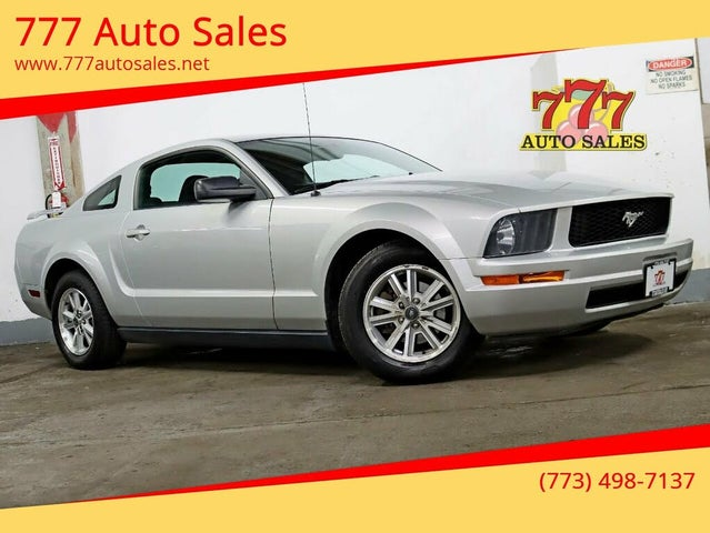 2006 Ford Mustang V6 Deluxe Coupe RWD