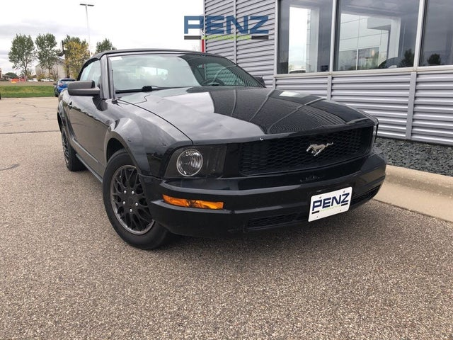 2006 Ford Mustang V6 Deluxe Convertible RWD