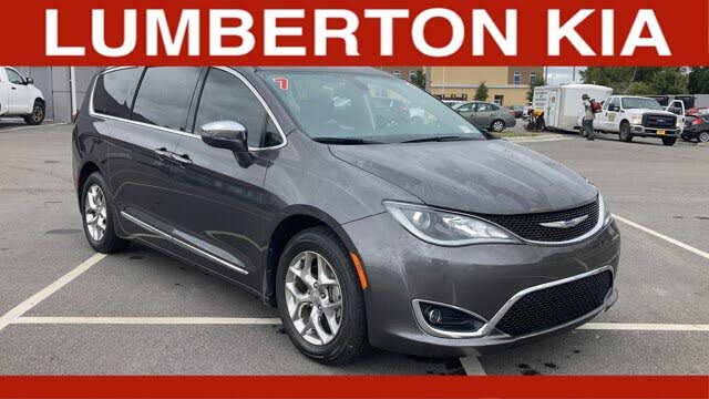 2017 Chrysler Pacifica Limited FWD