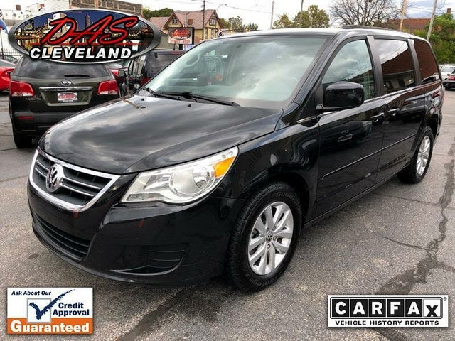 2013 Volkswagen Routan SEL with RSE and Nav