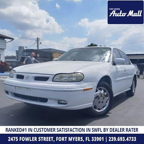 1999 Oldsmobile Cutlass 4 Dr GL Sedan