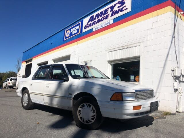 1992 Plymouth Acclaim 4 Dr STD Sedan