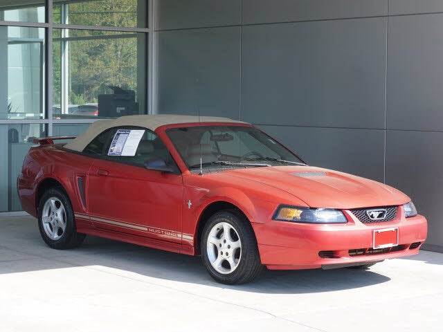 2001 Ford Mustang Deluxe Coupe RWD