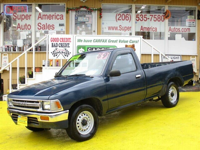 1989 Toyota Pickup 2 Dr Deluxe Standard Cab LB