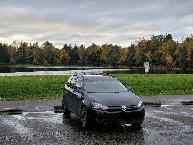 2014 Volkswagen Jetta SportWagen TDI FWD with Sunroof and Navigation