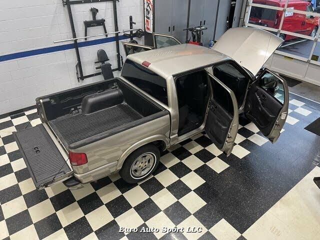 2004 Chevrolet S-10 LS Crew Cab 4WD
