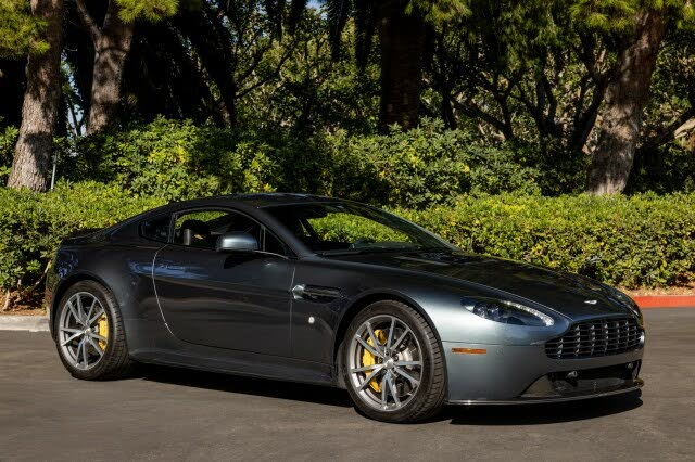 2016 Aston Martin V8 Vantage GT Coupe RWD